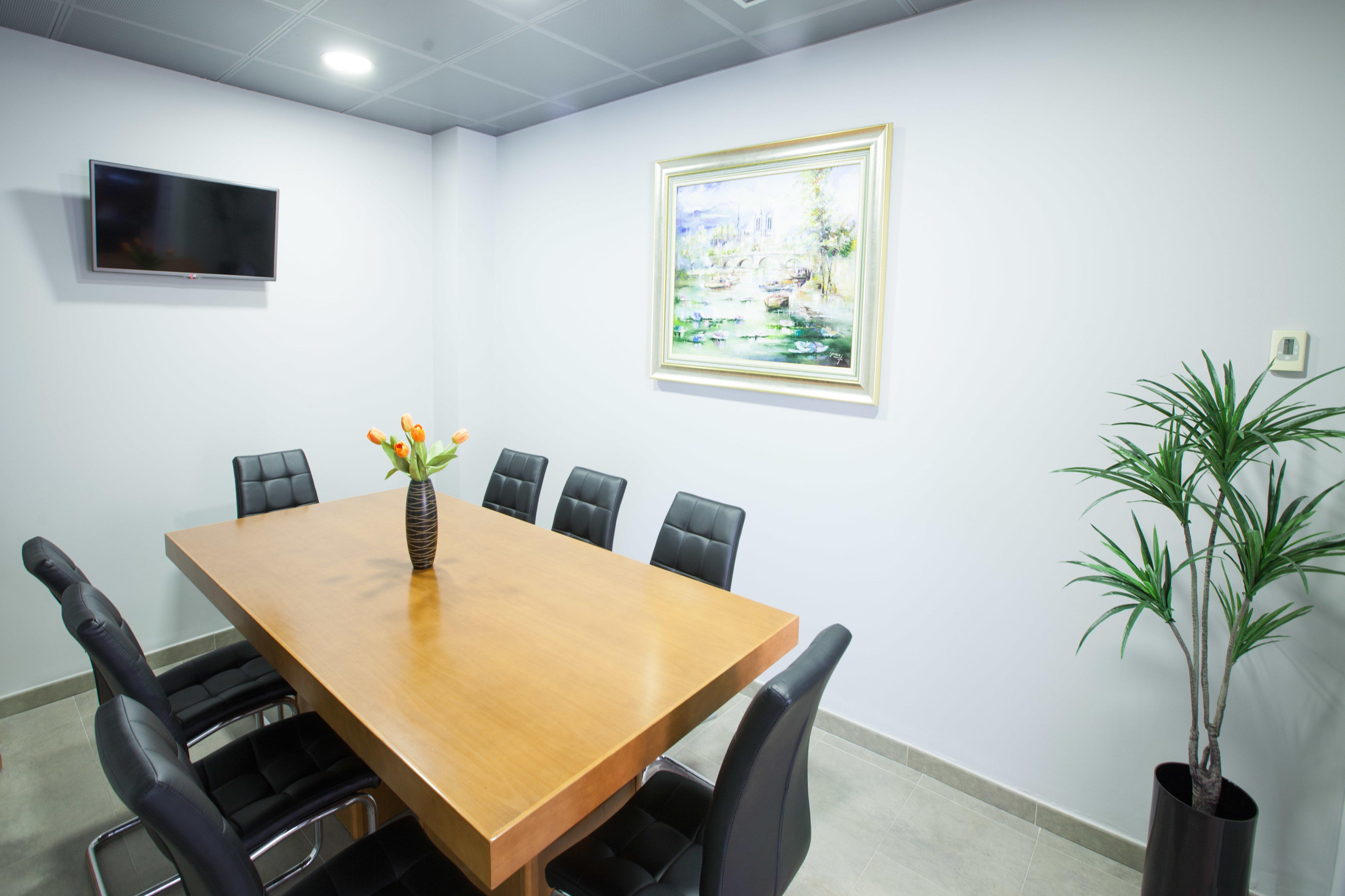 Sala de reuniones Najas de la Cruz y Asociados Abogados