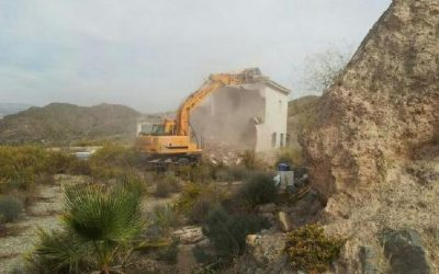 Nightmare returns for illegal homeowners in Spain as Junta once again demolishes foreigner homes – The Olive Press